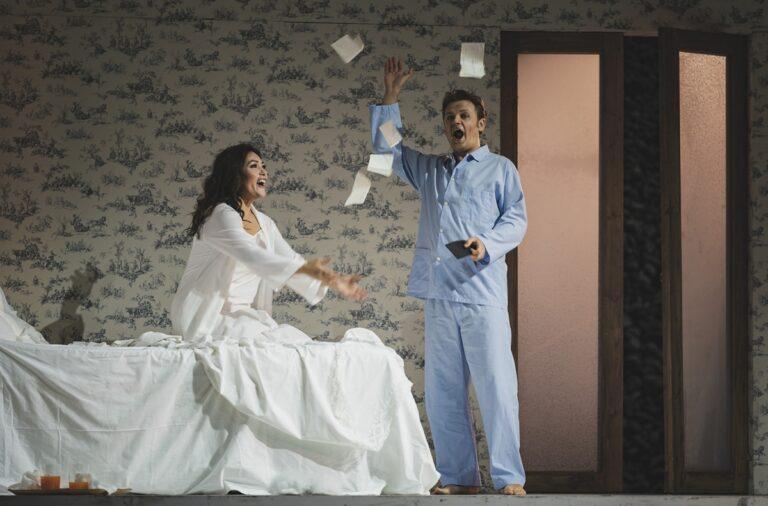 Maggio Musicale: una rondine con … piume moderne, ma di straordinario impatto, scenico e musicale.